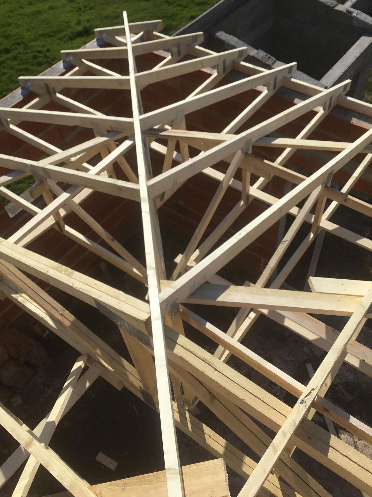 charpente am ricaine fermette industrielle bordeaux cavignac libourne charpentier fermette. Black Bedroom Furniture Sets. Home Design Ideas